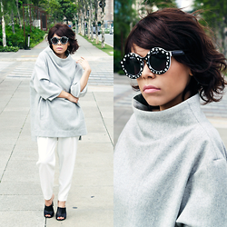 Priscila Diniz - Oversized Jumper With Wide Sharp Collar, Sunglasses, Mules, White Pants - Atuko