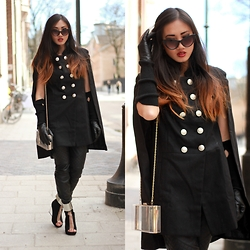 Louise Xin - Modekungen Cape Coat, Asos Transparens Bag, Jeffrey Campbell Roni Black - Black is always a good idea
