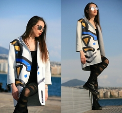Blertina Shabani - Choies White Printing Long Sleeve Longlone Coat, Choies Black Mesh Leggings With Cross Detail - Geometric Spring Coat