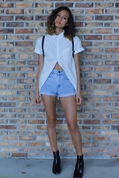 Jasmine M - Floral Button Up, High Waisted Shorts, Chelsea Boots - Menswear as Womenswear