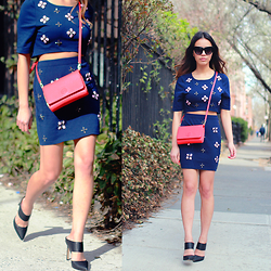 Leah Ho - Tory Burch Crossbody Bag, Detail On Blog Crop Top Set, Gianvito Rossi Mules - Spring Crop Top