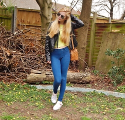 Isobel Thomas - H&M Jeggings, Envy By Cherag Jelly Sandals, Primark Duffle Bag, Primark Fringed Faux Leather Jacket, New Look Lime Green Crop Top - Spring Time, Spring Limes