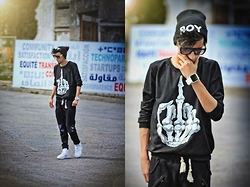 Hamza Rouah - Choies Middle Finger, Nike Air Force, 1face Hunger, Boy London Boyoflondon - Middle Finger