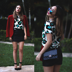 Ana Luísa Braun - Zerouv Sunglasses, Chanel Bag, Burberry Blazer, Dress, Nastydress Necklace, Gucci Shoes - Animal