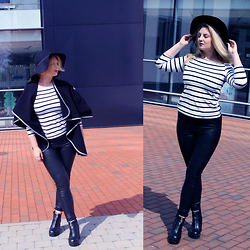 Kristabelle I - H&M Faux Leather, River Island Chunky Boots, Zara Striped Off Shoulder, H&M Floppy, Second Hand Cape - My spring is made of leather