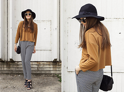 Emma Istvanffy - Choies Shirt, H&M Pants, Pimkie Sandals, Stradivarius Hat, H&M Bag, Zerouv Sunnies - Africa