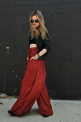 Kirby C - Free People Sunglasses, Free People Crop Top, Zara Pants - No. 28