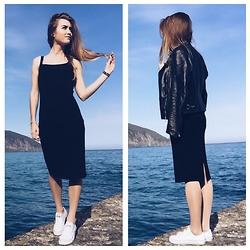 Nataliya_mos Space4art - Zara Black, Converse W, Massimo Dutti J - Sea