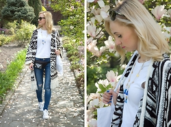 Joanna B - Pull & Bear Cardigan, Zara Jeans, Adidas Super Star, New Look Necklace - Spring Vibes