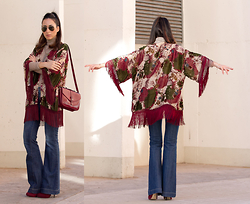 WOWS . - With Or Without Shoes More Pics & Details On The Blog - BOHO CHIC STYLE: FRINGED KIMONO AND FLARE JEANS