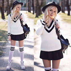 Oksana Orehhova - Chic Wish Cardigan - CUTE TROUBLEMAKER