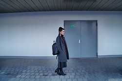 Kostantina Kaptebileva - Zara Backpack, Gina Tricot Grey Oversize Coat, Mango Statement Earring - Early Winter