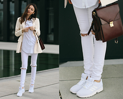 Bea G - Blazer, Shirt, Jeans, Bag, Shoes - White Sneaks