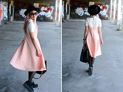 Léopoldine Cannibale - Chicwish Pink Dress, Underground Creepers, New Look Black Hat, L'usine à Lunettes Retro Sunglasses - I only look attractive for a max of 5 mins