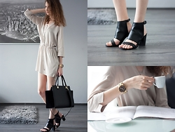 Lorietta.cz - Humanic Black Faux Leather Open Toe Boots, Michael Kors Chunky Gold Watch, Zara Cream Dress, H&M Elegant Black Bag - Open Toe Boots