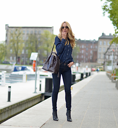 Gabriela R - Zara Shirt, Zara Jeans, Zara Bag, Ray Ban Sunglasses - Double Denim
