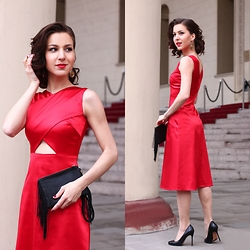 Beauty Mark Lady - Alexandra Vanushina Dress - Lady in Red