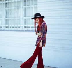 AMINTA ONLINE - Boodwah Bell Bottoms, Irresistible Me Hair Extensions, Vintage Shirt - Bell Bottoms