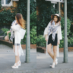 Vivien Sophie - Asos Cardigan, New Look Backpack, Deichmann Shoes, Asos Hat, Asos Scarf, Mango Skirt, Daniel Wellington Watch - Chic Hippie Vibes
