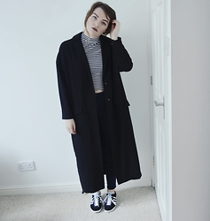 Georgie J - Asos Duster, Monki Top, Topshop Jeans, Adidas Gazelle Trainers - Gazelle
