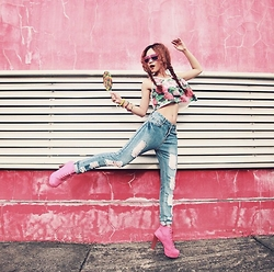 Dewi Purnama - @Tangerineroom Ripped Jeans - Cause i believe in PINK!