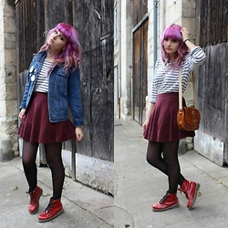 Candy Hashi - Pull & Bear Win Skirt, Dr. Martens Red Boots, Denim Jacket, Boyfriend's Tee Shirt - Casual stripes