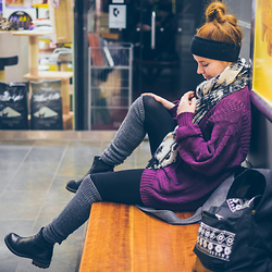 Helmi Hytti - Andiamo Leather Boots, Cubus Grey Knee Socks, Usc Backpack, Bikbok Scarf, 2hand Pullover - CHILLING AT THE MALL
