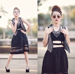 Dewi Purnama - @Storyofrivhone Little Black Skirt - Never fail with Black!