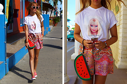 Linsey Sijmons - Celine Sunglasses, Jutka & Riska Shirt, Colorswitch Iphone Cover, Tramontana Short, New Look Clutch, Keds Shoes - BARBIE ON BONAIRE