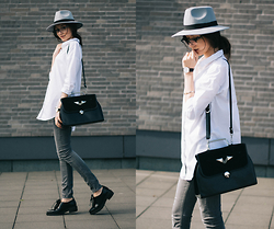 Bea G - Shirt, Hat, Jeans, Bag, Shoes - Hat On