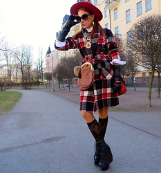The wardrobe of Ms. B - Goyard Bag, Finsk Boots, Thrifted Coat - New post