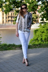 Coco Bebe - Zara Shirt, C&A Jeans, Bata Heels, Parfois Bag - Look of the day 24