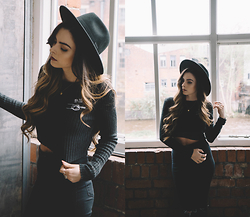Stacey Gray Macdonald - H&M Wide Brim Hat, Drop Dead Join Us Crop, Topshop Joni Jeans - Join Us