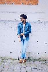 Raphaël Spezzotto-Simacourbe - Levi's® Shirt, Levi's® Jean, Asos T Shirt, Sandro Shoes - Denim on denim