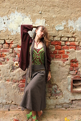 Siri Sa - Mondlack Ruby Red Necklace, Goa Top, Zara Metal Belt, Second Hand Skirt, H&M Cardigan - Gypsy girl