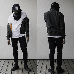 Haley Ma - Alpha Industries Ma 1 Bomber, Nike Tech Pant, Converse High Tops, Palace X Adidas 5 Panel Hat - Spring looks