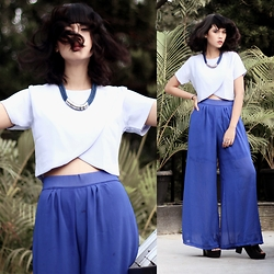 Abil Arresta - Steadiva Blue Roped Necklace, Look Boutique Store Scallop Top, Q Boutique Blue Culottes - Cool Toned Hippie