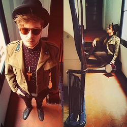 Formol Batav - Persol Mcqueen Vintage 70's, Vintage Derby Hat, Cheap Monday Eyes Print Shirt, Vintage Military American P 51 Pilot, Hand Made Real Plane Alitalia Belt, Cheap Monday Him Spray Jeans, Schmoove Old Fidji - Waiting for my Band