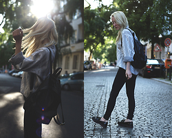 Annette Zer - Brandy Melville Usa Backpack, Dr Denim High Waist Jeans, Calvin Klein Vintage Jumper, Pull & Bear Loafers - Running with the wolves
