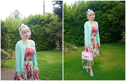 Ava Clarice Hornby - Primark Floral Dress, Primark Mini Bag, Primark Heels, Primark Cardigan - Pastel Fever ( All Items Primark!!!)