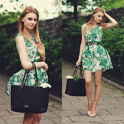 Katarzyna Konderak - Oasap Dress, Heels, Bag, Hair - Flowers.