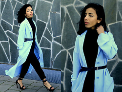 Karima A. - Duster Coat - Gone with the wind