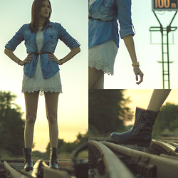 Nesrine Bendriss - H&M Dress, Stradivarius Denim Shirt, La Halle Aux Chaussures Boots, H&M Belt, Casio Watch - Laced Wanderer