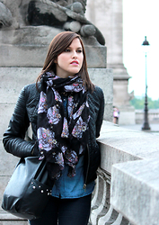 Nesrine Bendriss - Zara Leather Jacket, H&M Scarf, Stradivarius Shirt, Zara Bag - Sweet Rock