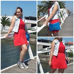 Angelica Giannini - Tezenis Dress, Converse Sneakers, Only Gilet - Red dress