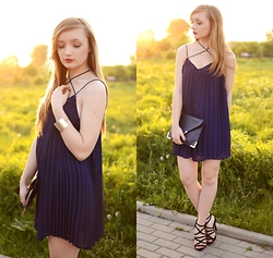 Karolina G - Style Moi Dress - Navy blue dress | MILDCLOUDS.BLOGSPOT.COM