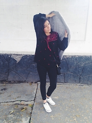 Pau Hto - Tommy Hilfiger Black Purse, Forever 21 Tshirt, Sfera Grey Coat, White Tennis - Easy mood