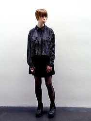 Elina Laakso - Monki Blouse, Topshop Tights - Day at the museum