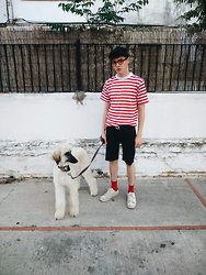 Jesús Lafuente - Vintage. Tshirt, Levi's Shorts, H&M Socks, Springfield Shoes, Tiger Cap - Barry Is Taller Than Me
