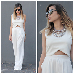 Marilyn N. - Ray Ban Clubmaster, Sophia Necklace, Forever 21 Top, Forever 21 Wideleg Pants - Pure.